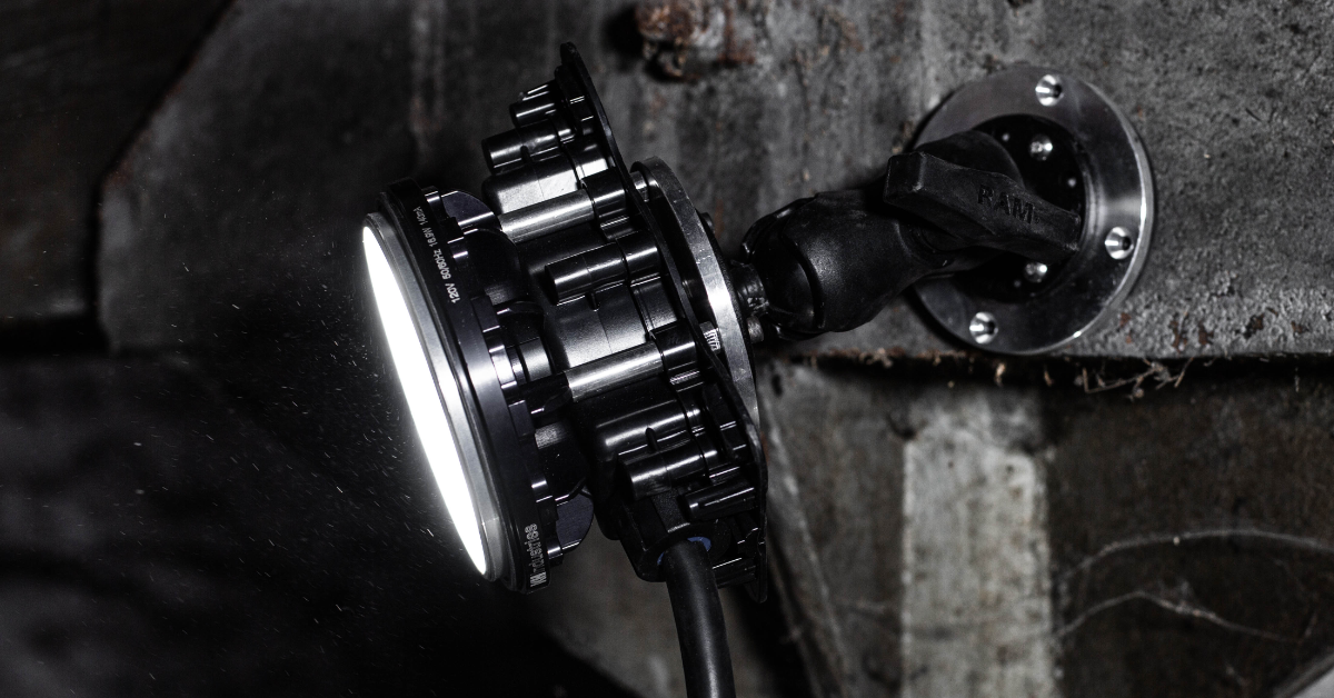 HazRay™ Handheld Single-Head LED Portable Explosion Proof Light with Articulating Magnet Mounting. Suitable for CID1 and CID2 Hazardous Locations.